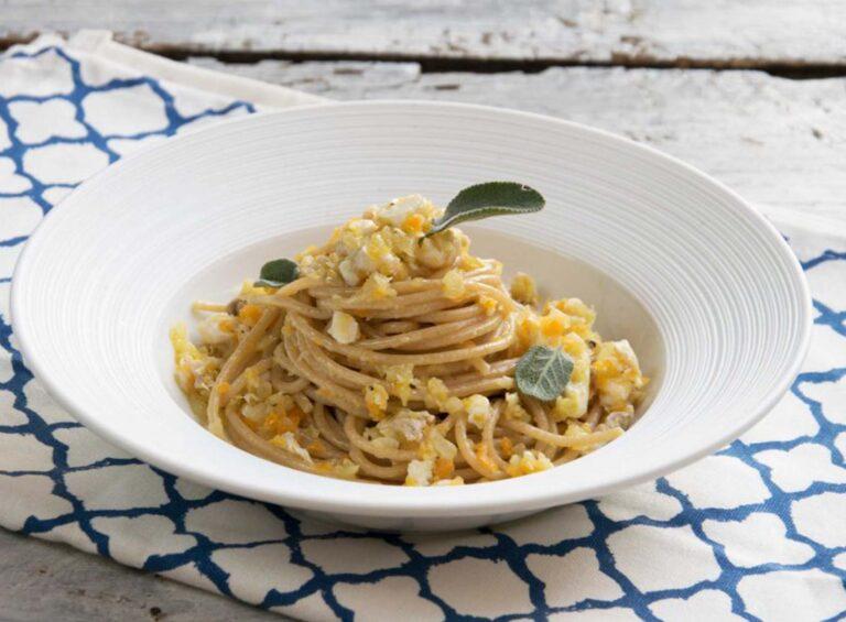 Spaghetti mit Dorade und Zitronenschale